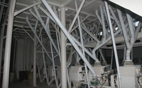 60吨级面粉机成套设备在东北黑龙江客户的安装现场